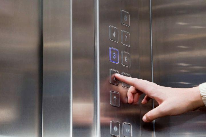 ۳۶ میلیون ریال جریمه نقدی برای جعل تاییدیه ایمنی و کیفیت آسانسور در خراسان شمالي